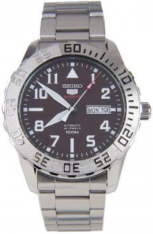 Seiko Sports 5 SRP753K1 Military watch